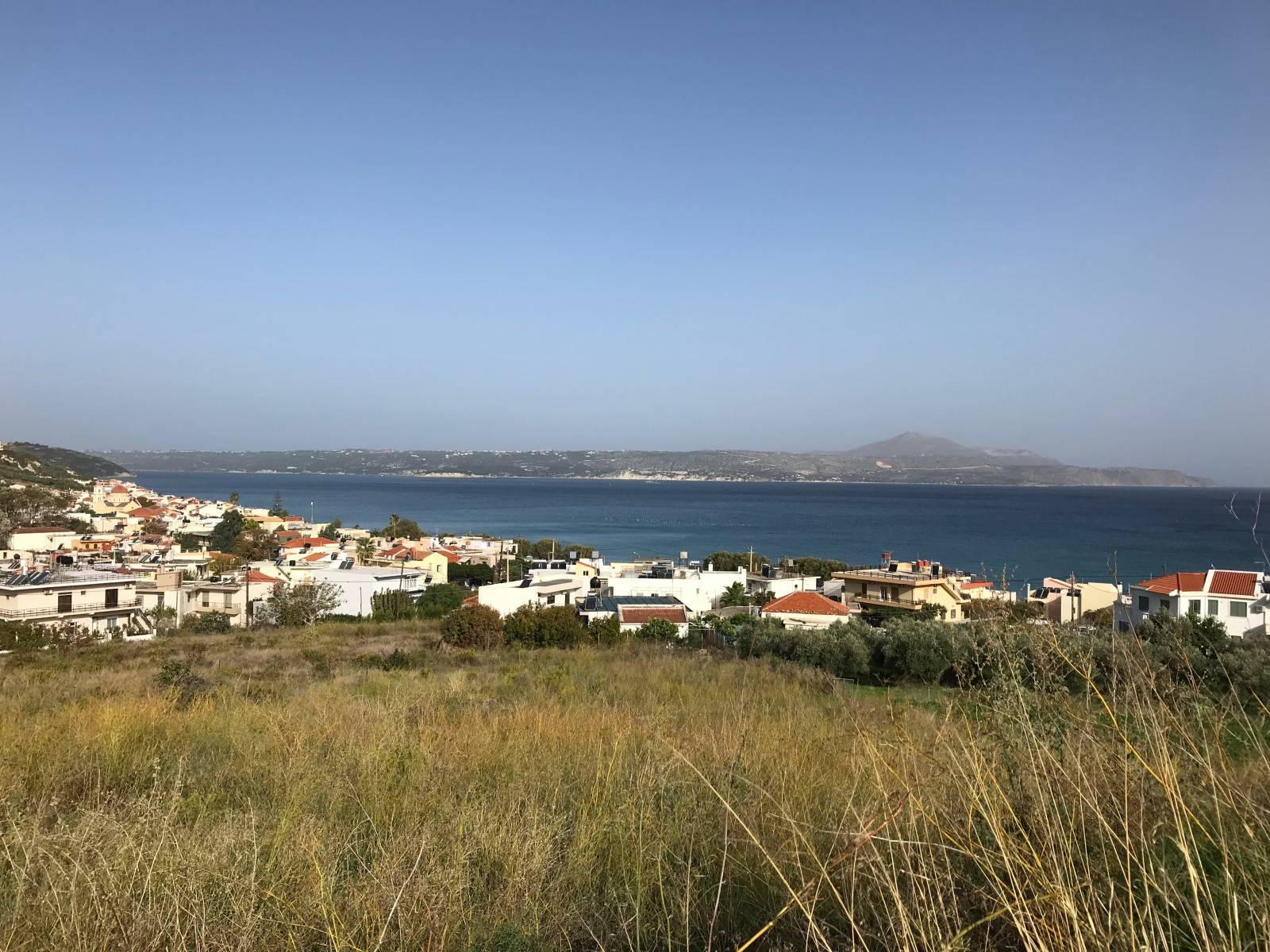 Large plot in Kalyves