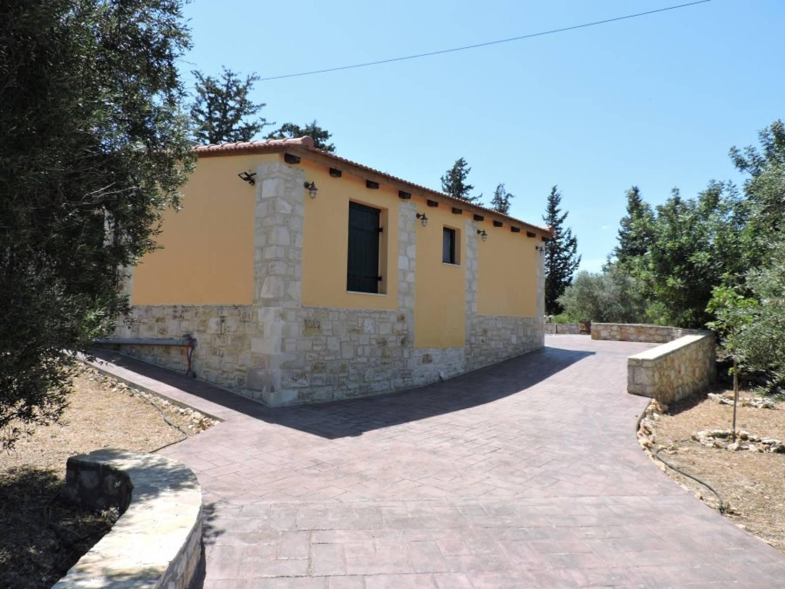 Stone villa in Apokoronas