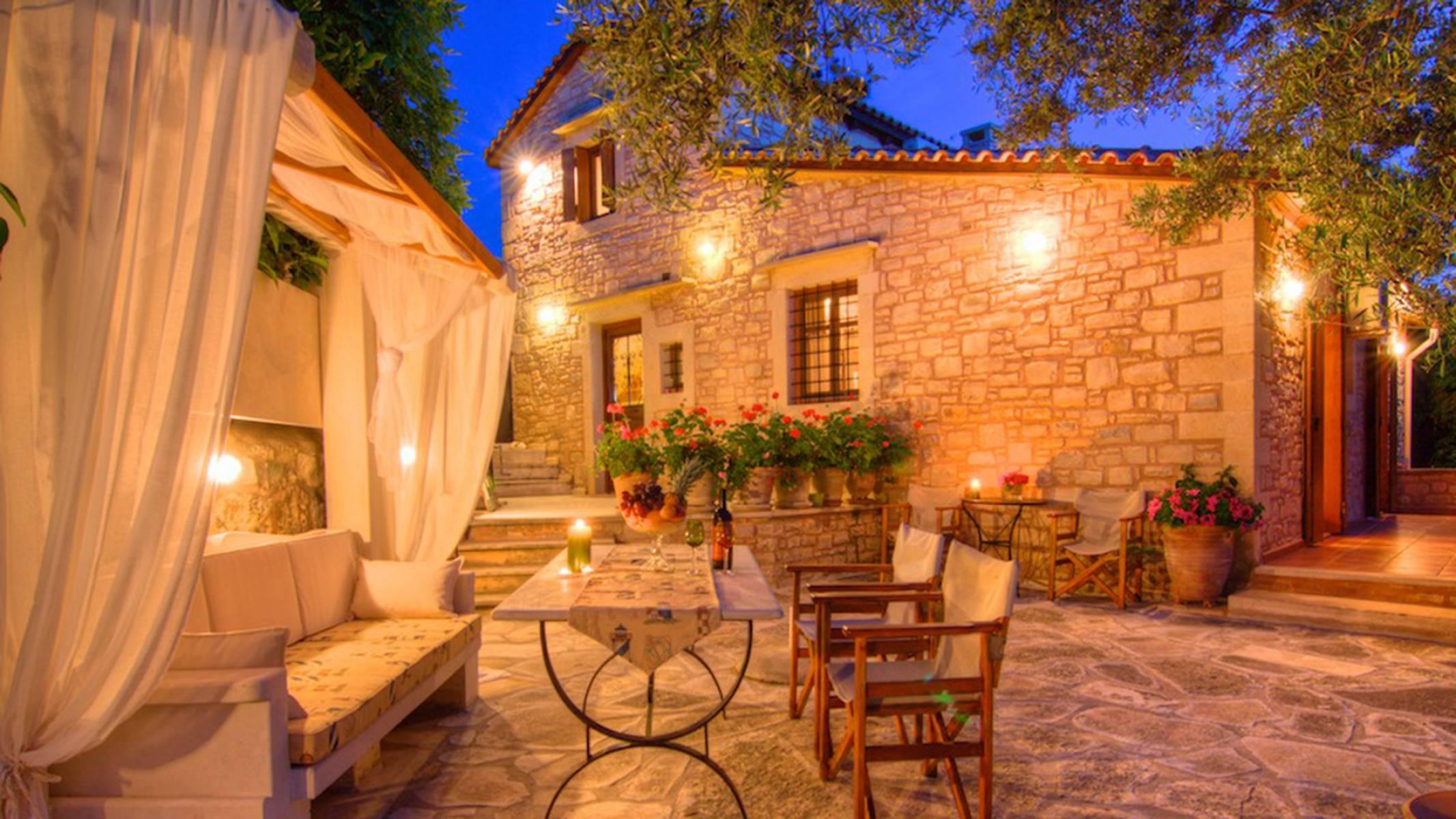 Stone villa in Prines