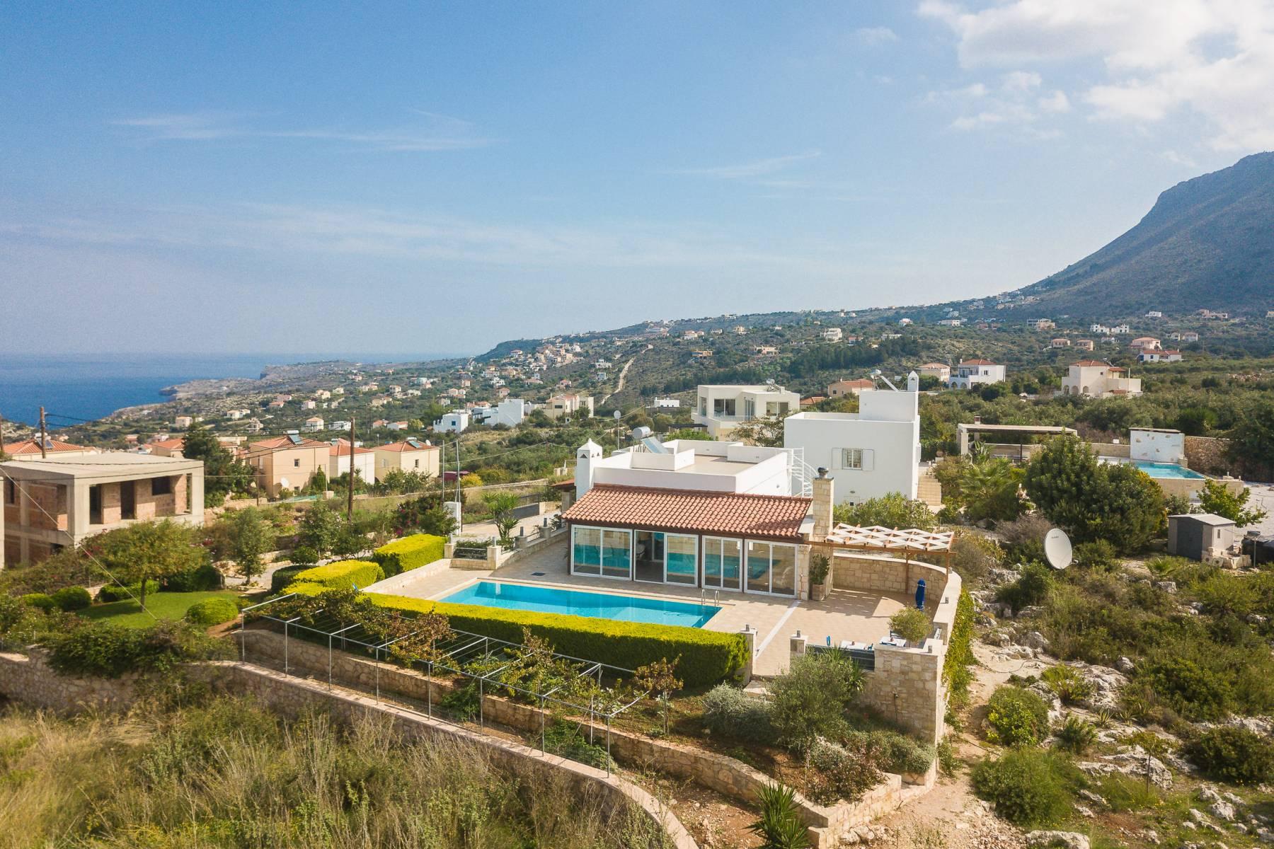Unique villa with amazing view in Plaka