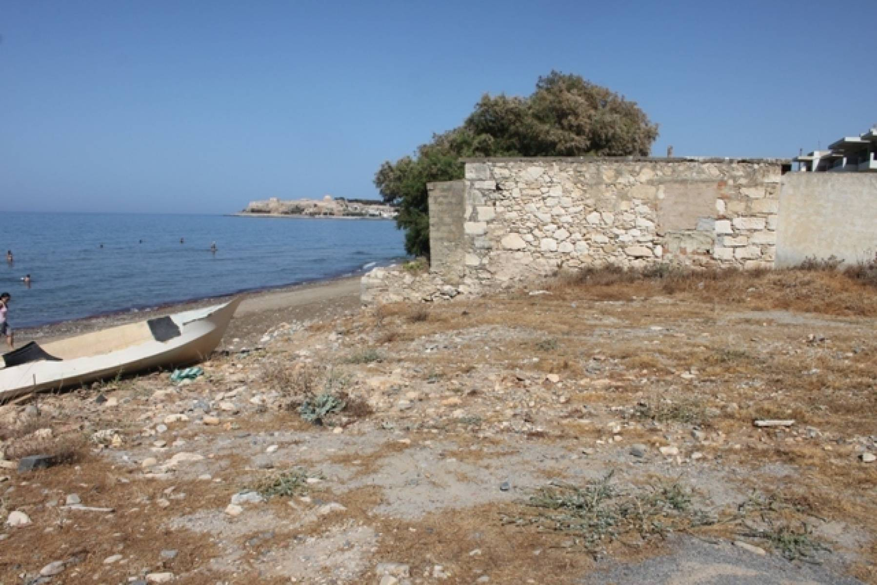 Koumpes house with land