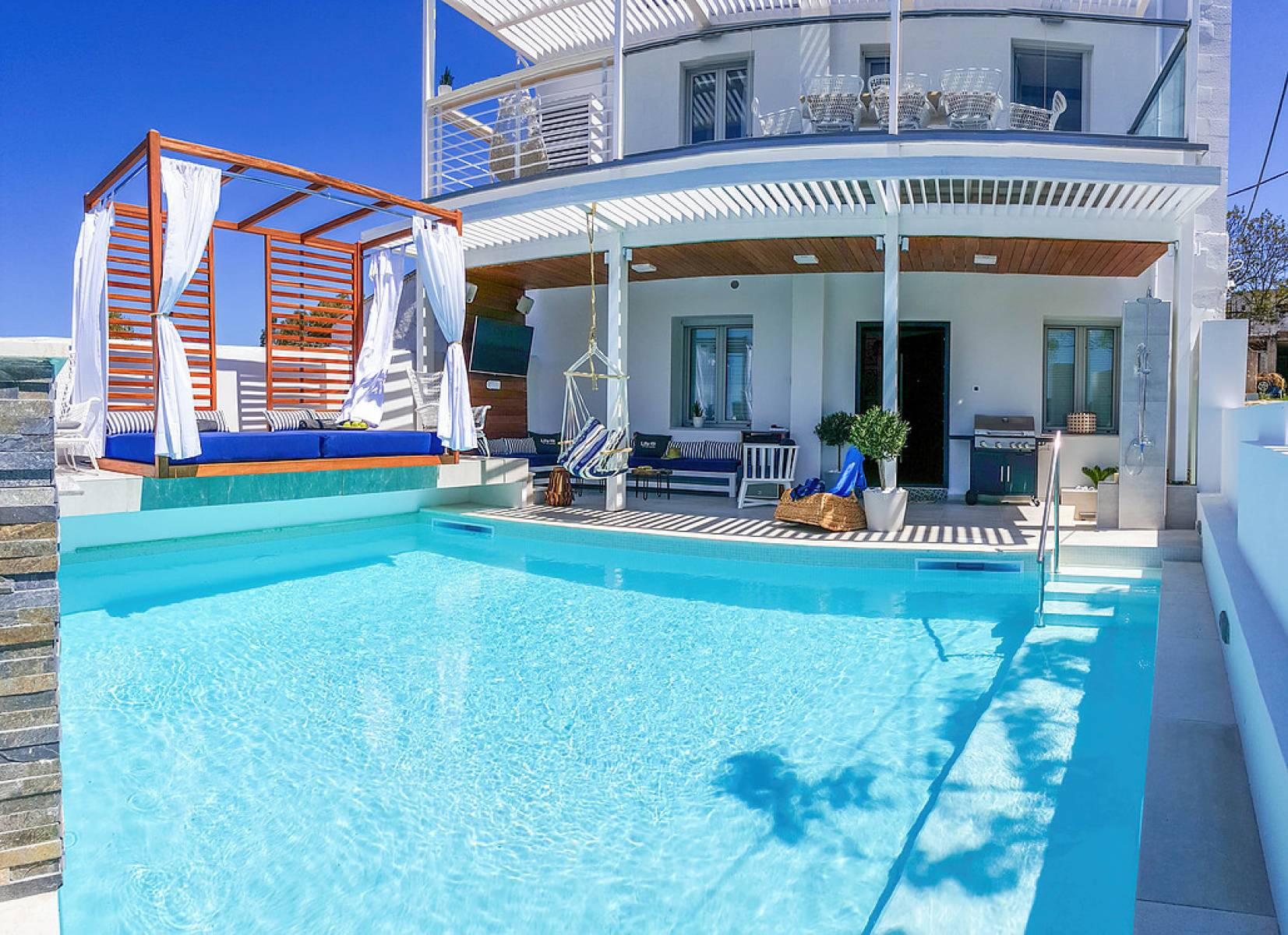 Brand new luxury villa in Vamos