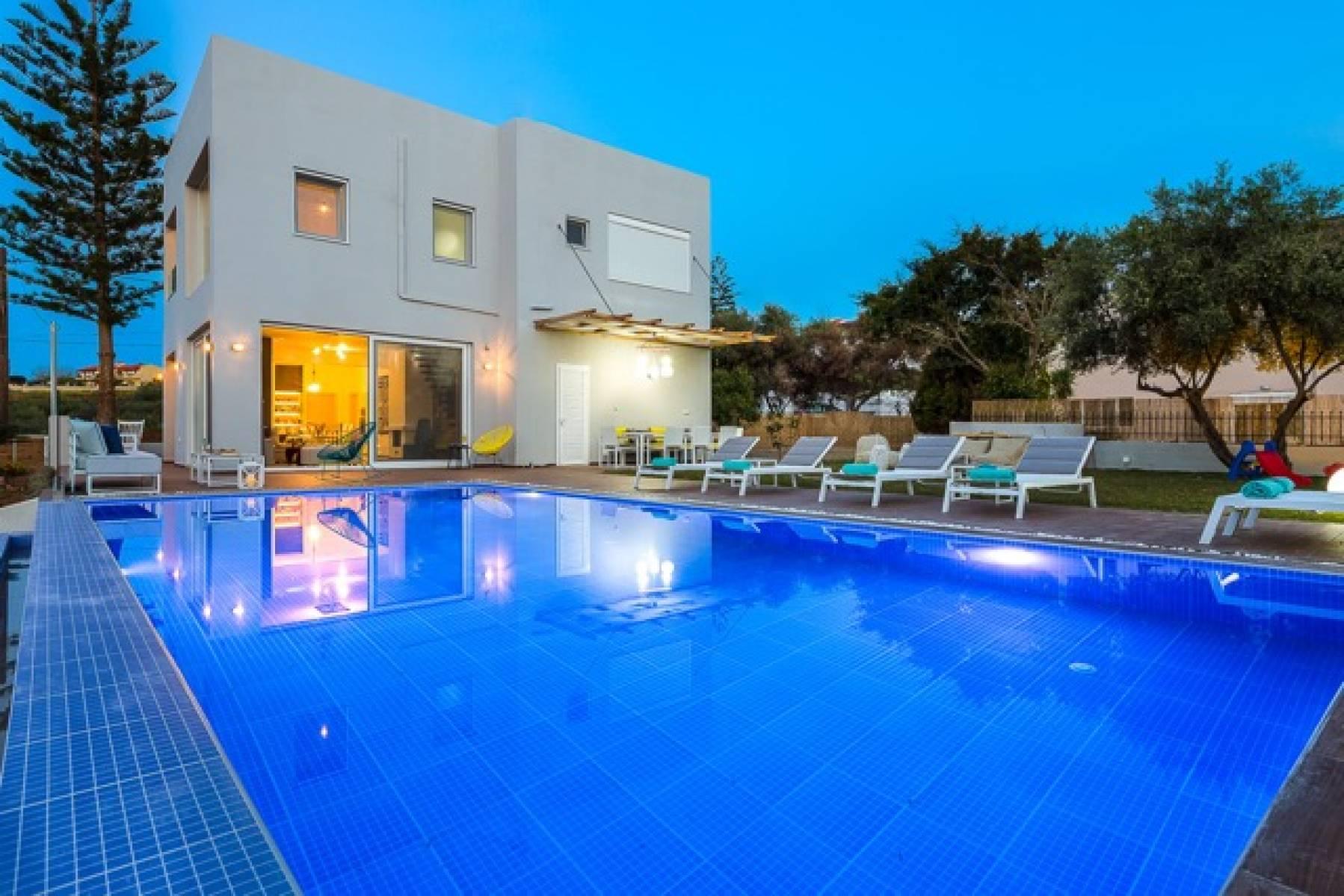 Luxury villa near the sea in Rethymno