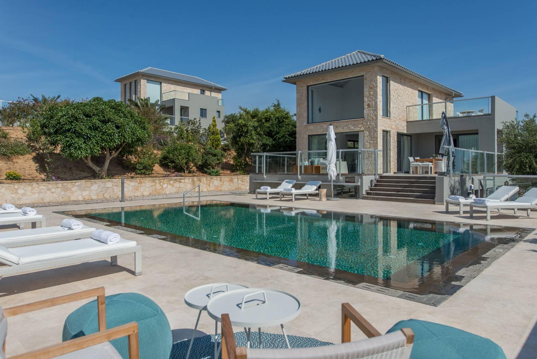 Luxury villas in Tersanas