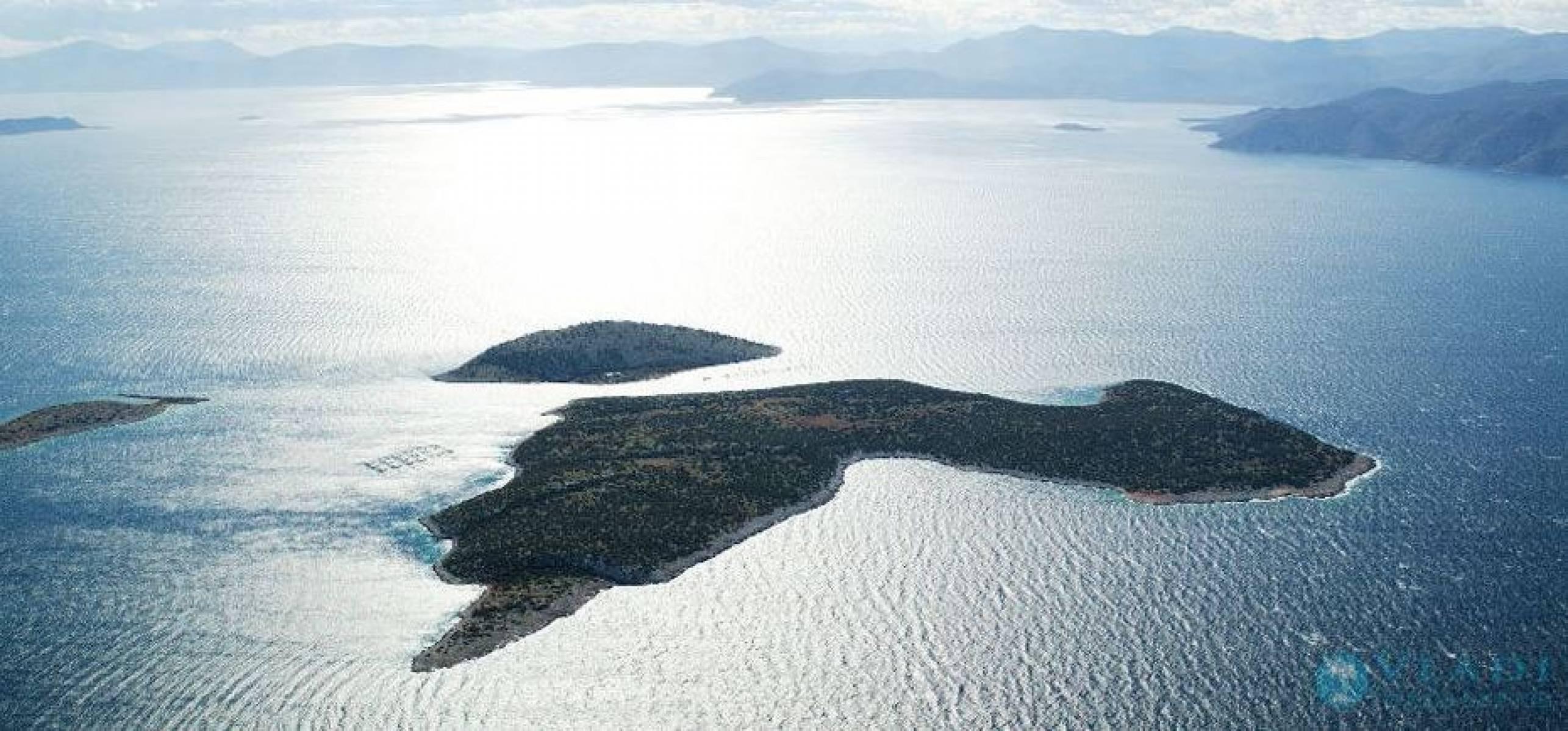 Agios Thomas Island