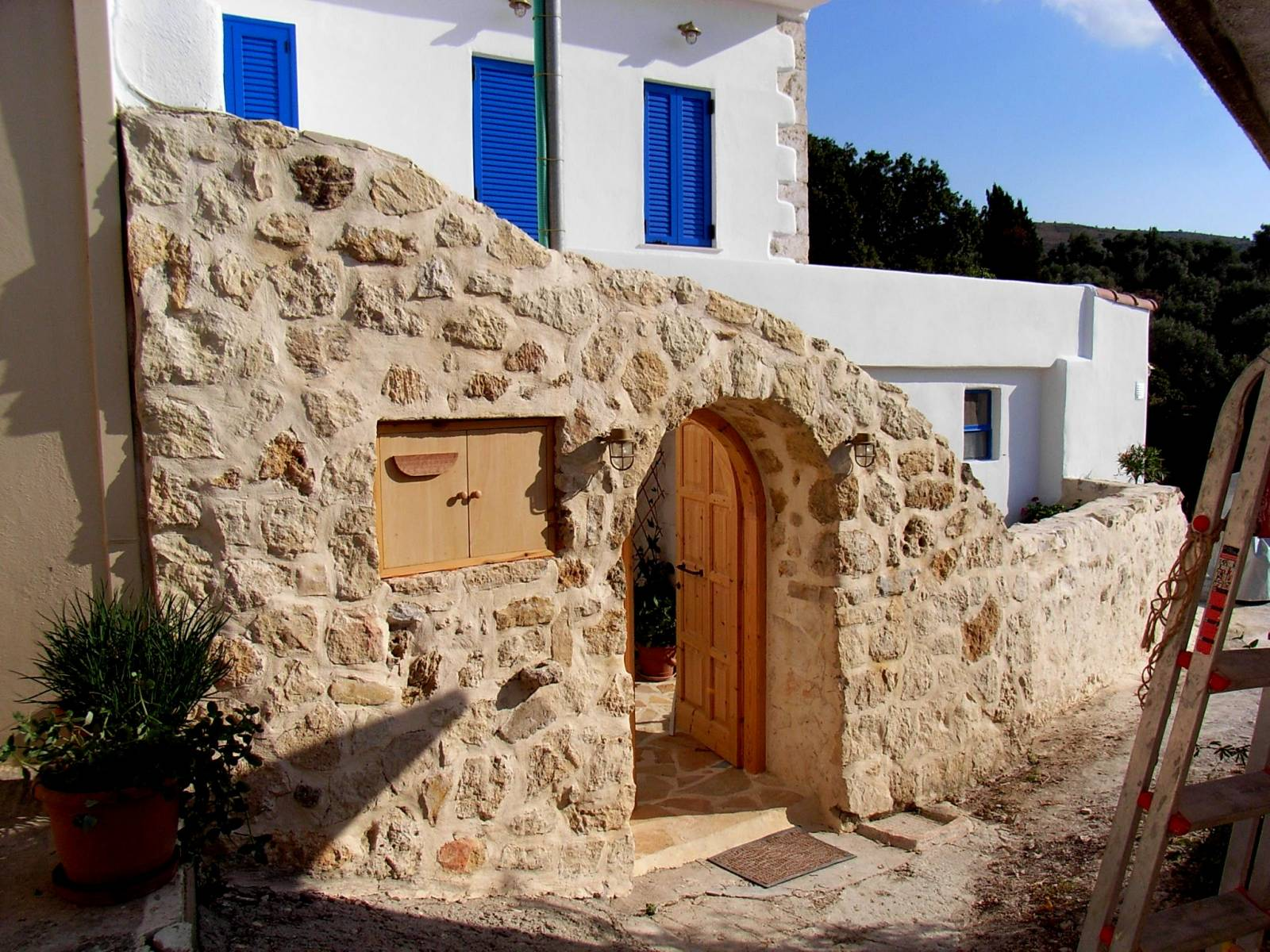 Traditional renovated house in Mesi