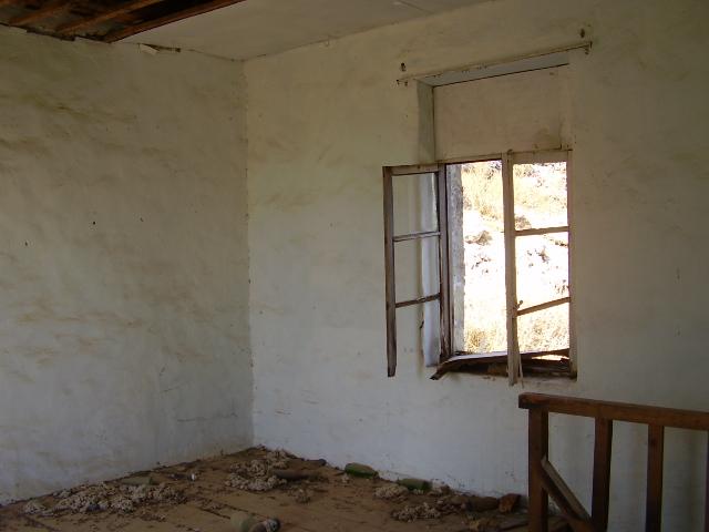 340-Upper-room-towards-the-road-facing-wall.-Fres-Renovation-Sept-08-076