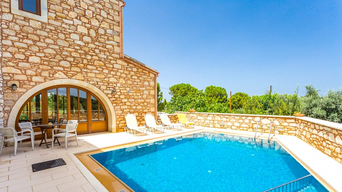 4 Bed Traditional Stone Villa