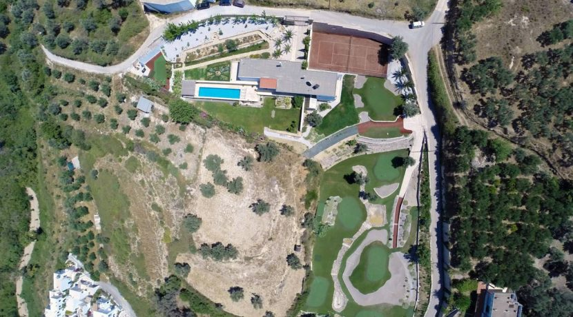 Unique villa with private golf course