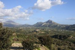 Large plot with great views in Mirthios
