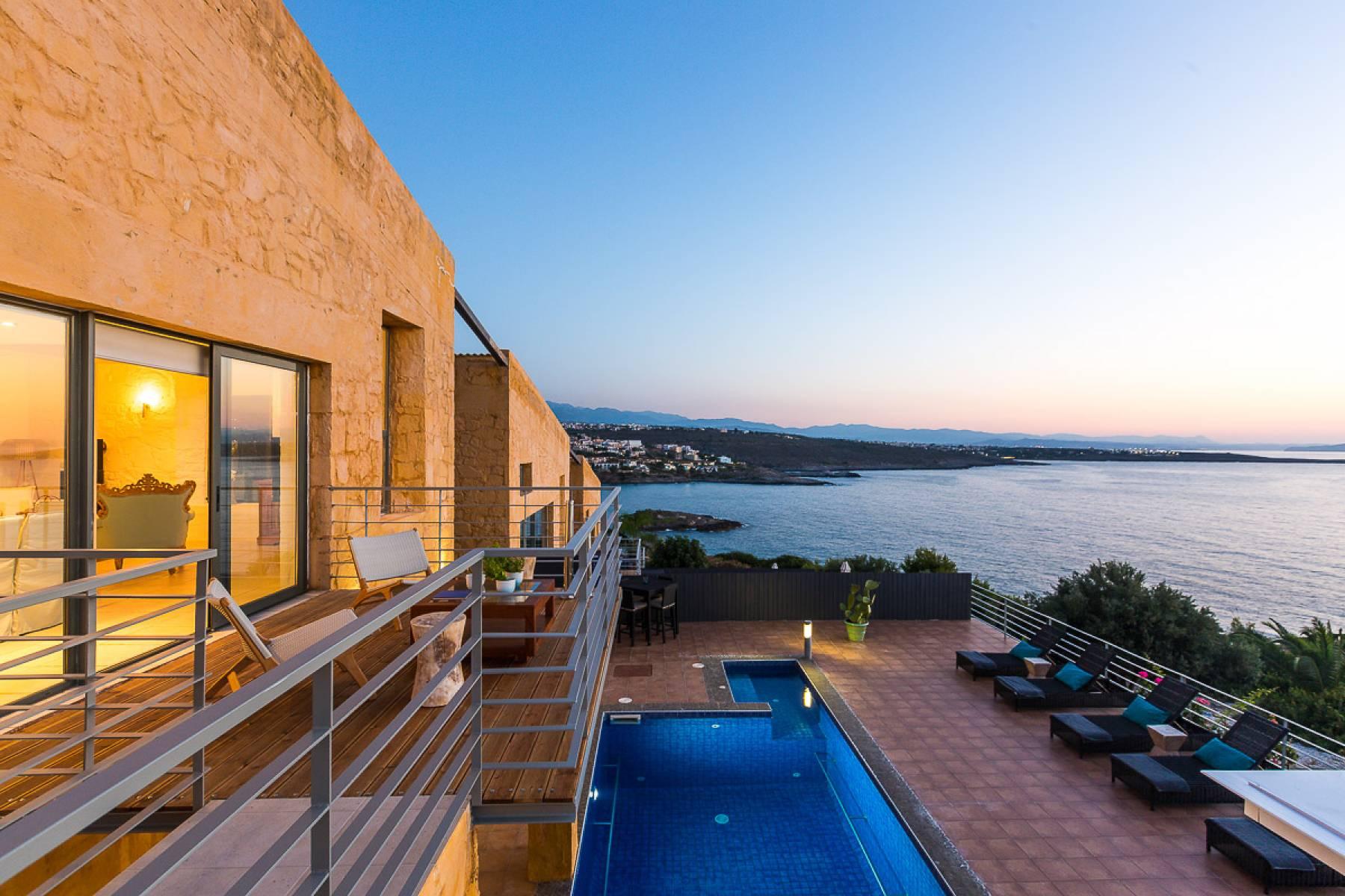 Luxury Villa in Chorafakia